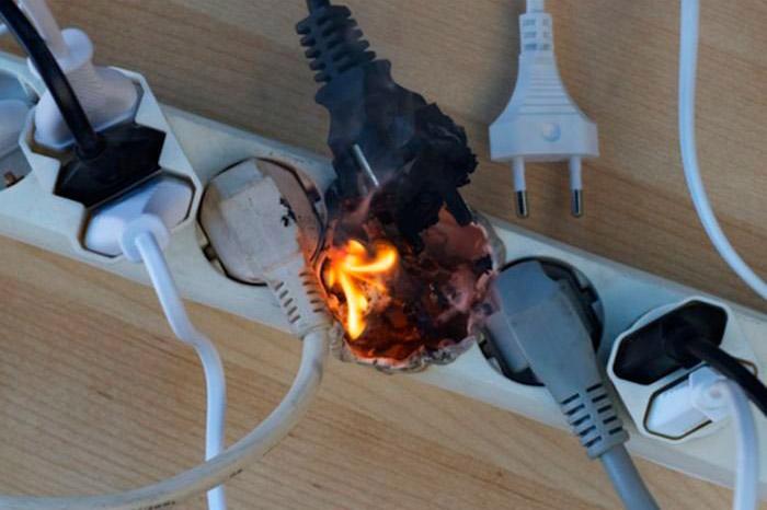 пожар на переноске из за плохого контакта