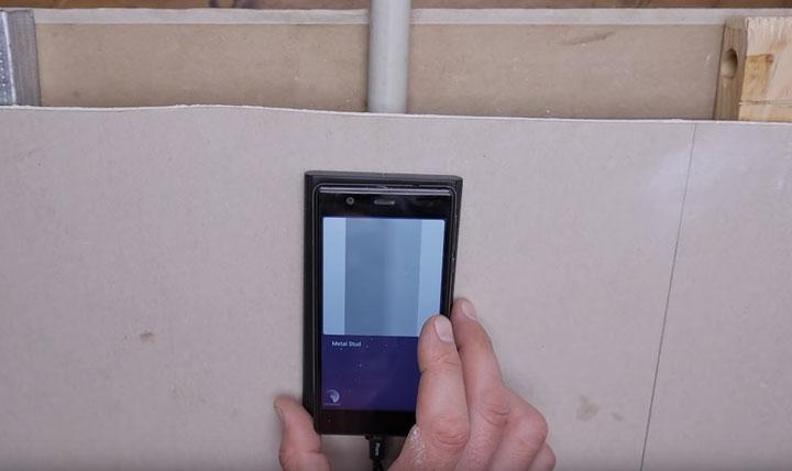 как найти пластиковую трубу за стенкой при помощи сканера и смартфона