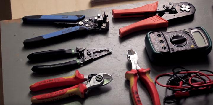 инструменты для сборки электрощитка