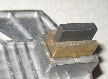 щетка электромеханического стабилизатора