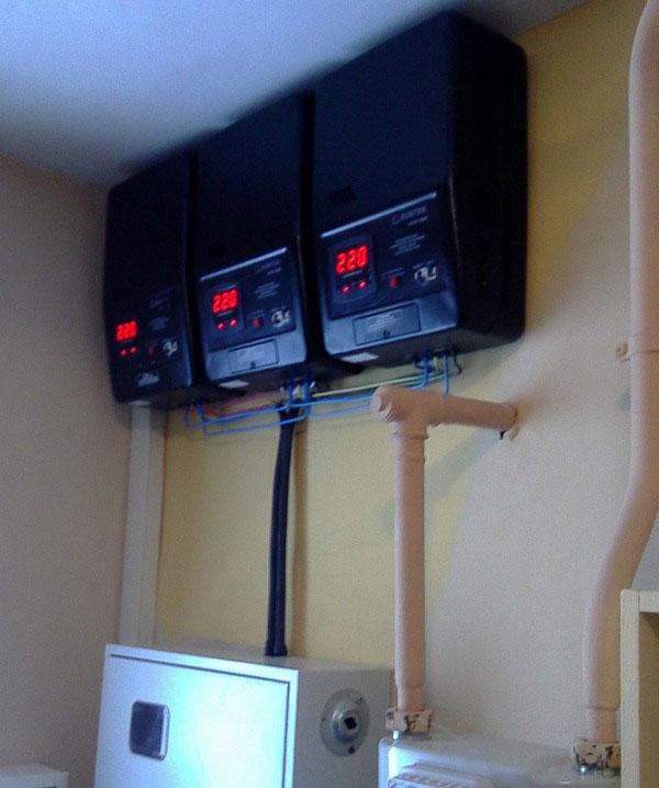 настенное размещение стабилизатора в котельной