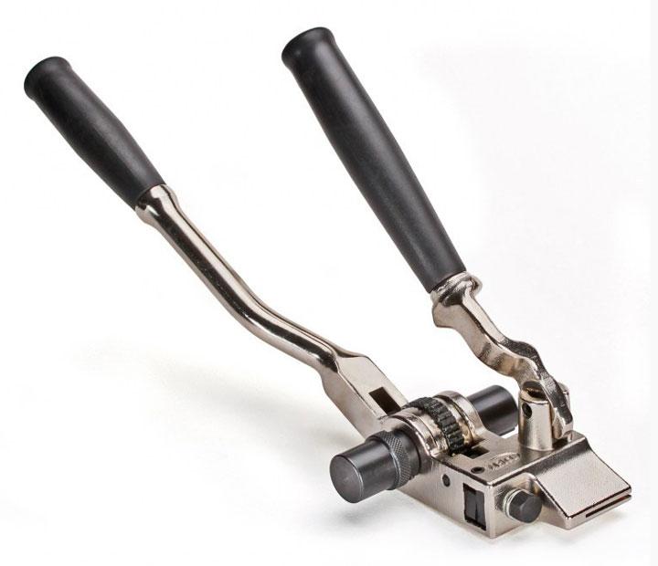 Инструмент для натяжения бандажной ленты на опорах своими руками