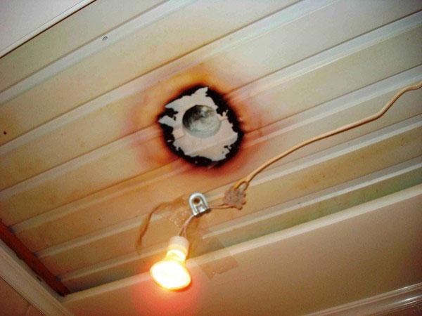 последствия нагрева светодиодного светильника на потолке