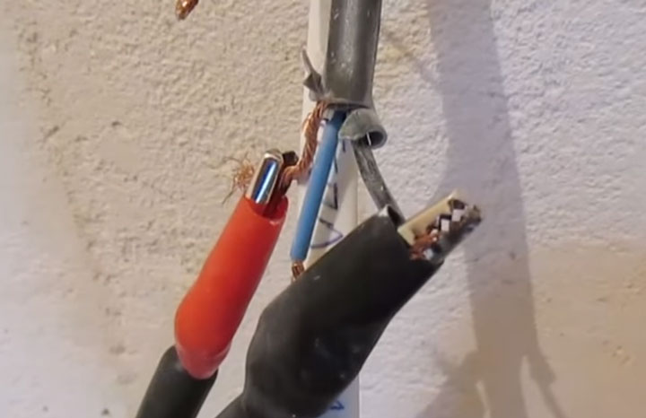 проверка изоляции греющего кабеля теплого пола между оплеткой и жилой