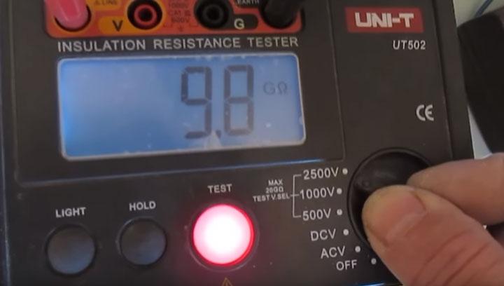 какой должна быть изоляция нагревательного кабеля теплого пола при проверке изоляции мегаомметром