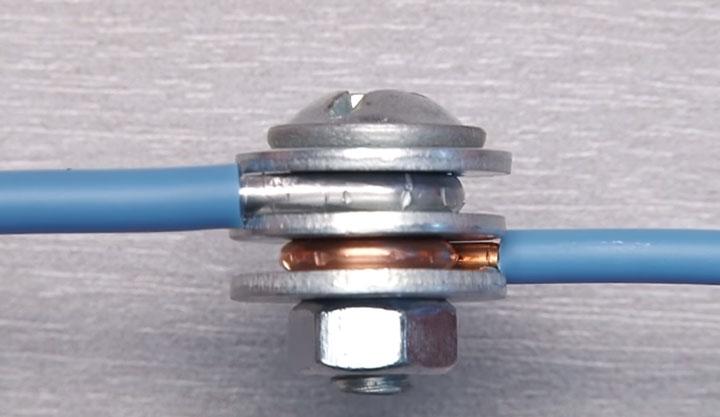 соединение меди и алюминия через болт гайку и стальные шайбы