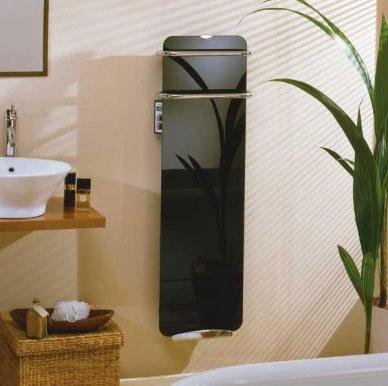 высокий и узкий обогреватель в ванную комнату