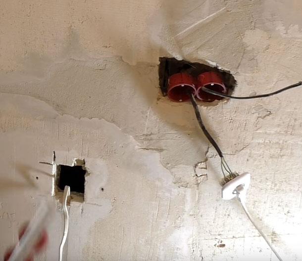 как установить подрозетник в большое отверстие в стене