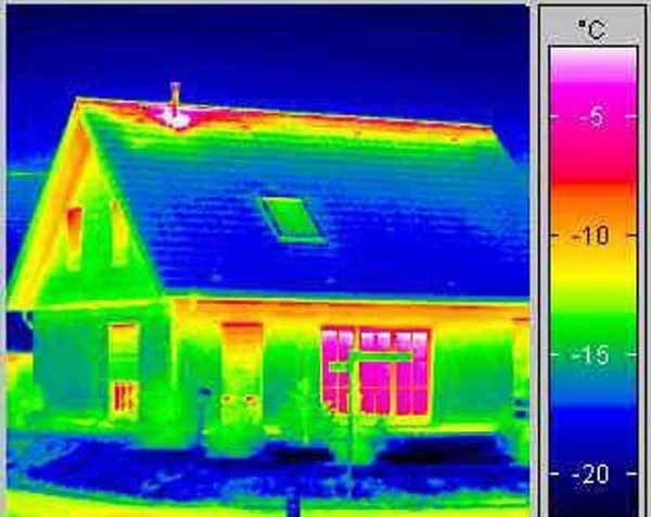 хорошая тепловизионная картинка частного дома при энергоаудите