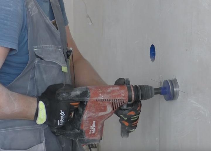 работы по высверливанию ниш под подрозетник