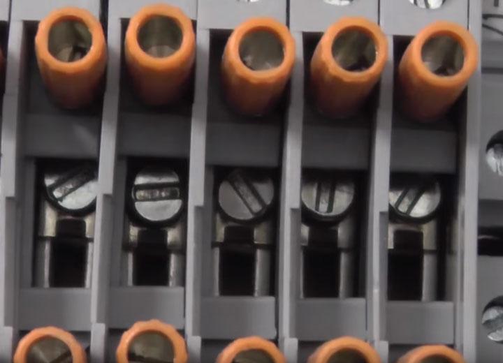 токовые клеммы с возможностью разрыва цепи
