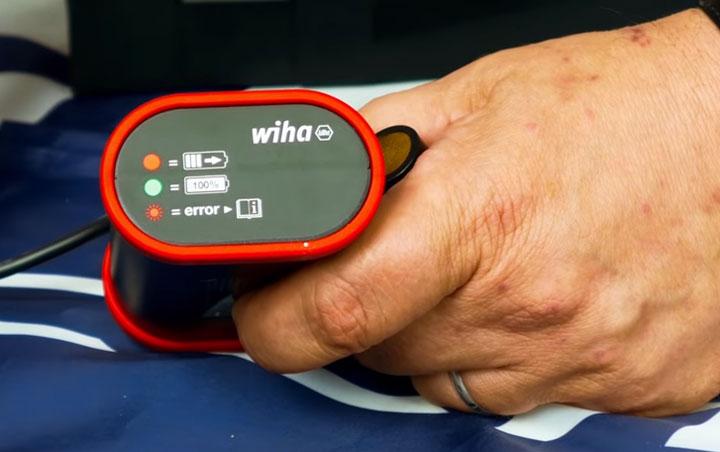 зарядное устройство для аккумуляторной отвертки Wiha Speed E