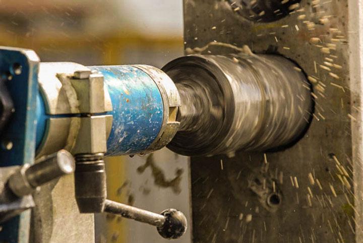 высверливание или прорезание отверстий в бетоне как лучше
