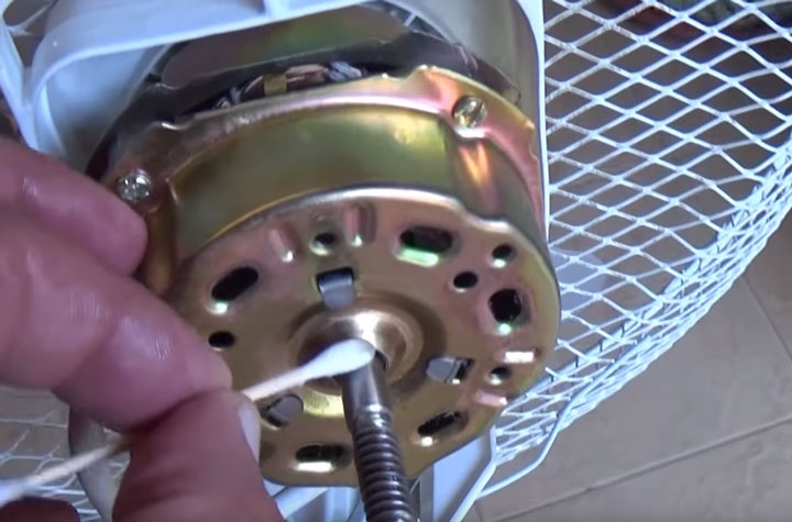 удаление засохшей смазки на вентиляторе