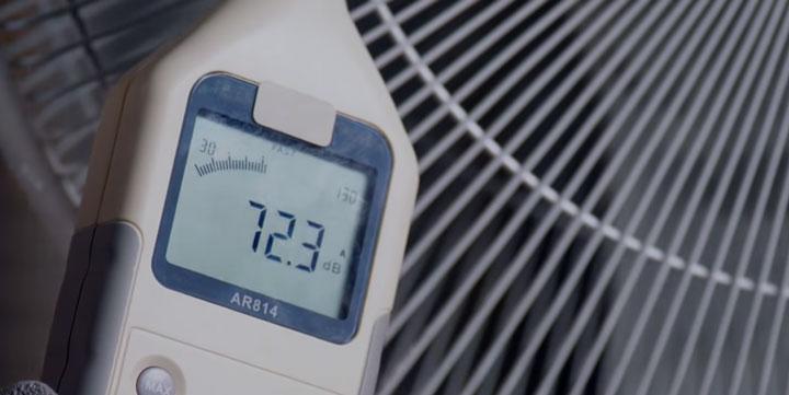 уровень шума у дешевых напольных вентиляторов
