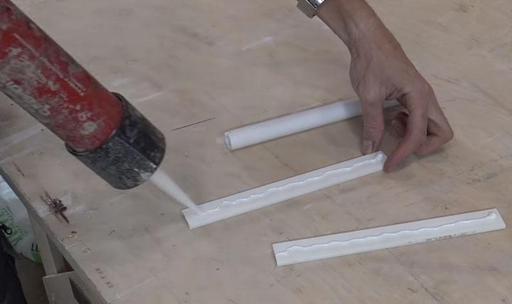 приклеивание пластикового канала к мешку фильтру для пылесоса