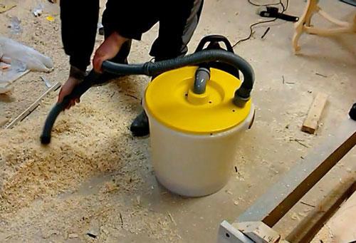 уборка стружки от дерева бытовым пылесосом
