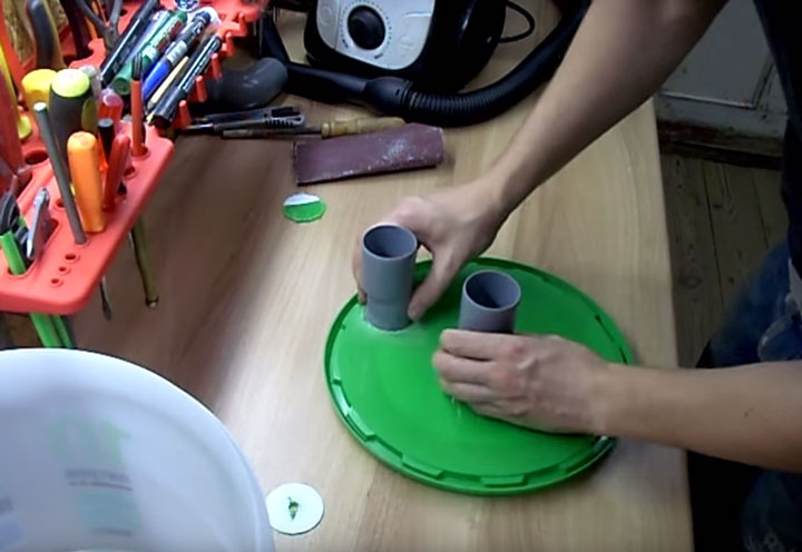 крышка с трубками для самодельного циклона