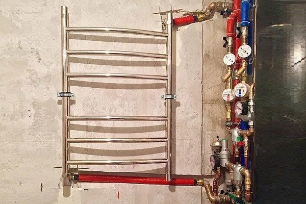 подключение труб к полотенцесушителю
