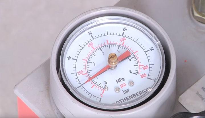 испытательное давление в трубках теплого пола на холодную