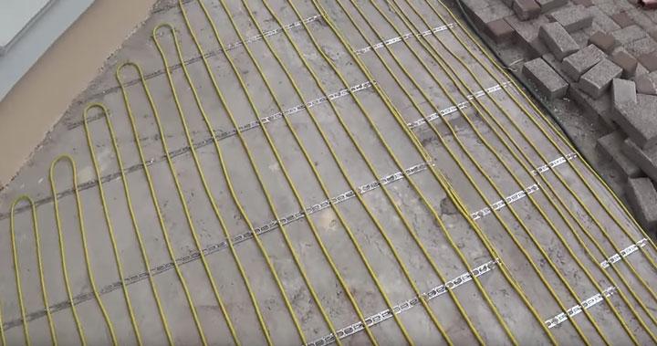 с каким шагом укладывать греющий кабель для обогрева крыльца и ступенек