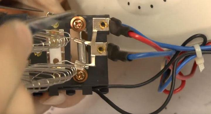 замена термопредохранителя без пайки на тепловентиляторе дуйчике