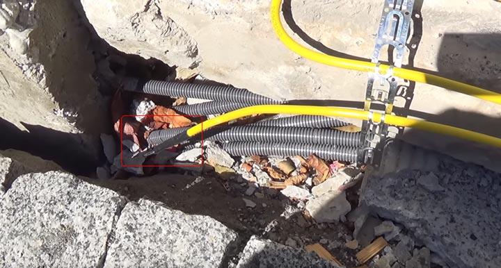 концевая муфта на двухжильном резистивном кабеле обогрева теплого пола на улице