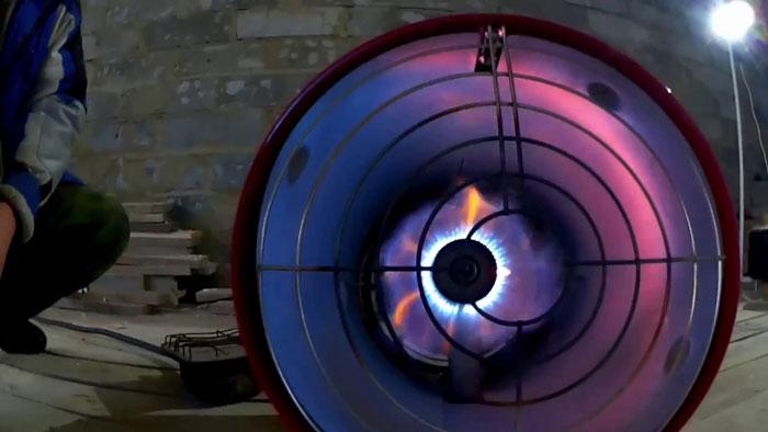 языки желтого пламени на газовой горелке что означают