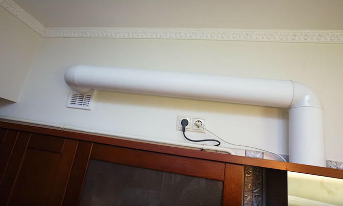 правильная схема но недостаточная для подключения воздуховода вытяжки