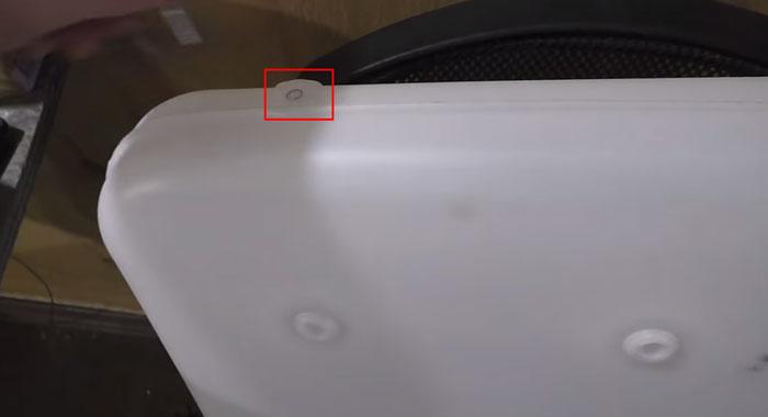 отверстие под топливоотвод в баке китайского отопителя кабины