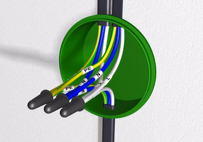 соединение проводов для подключения вытяжки на кухне к электричеству