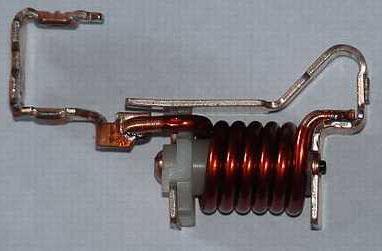 катушка отключения или электромагнитный расцепитель модульного автомата