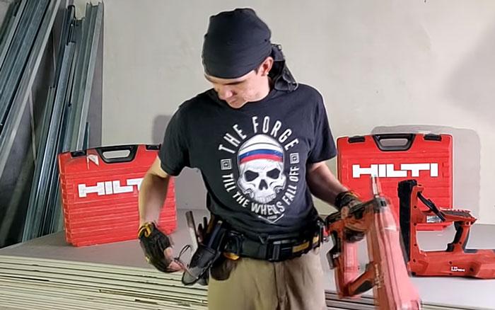 как подвесить на пояс монтажный пистолет хилти BX3