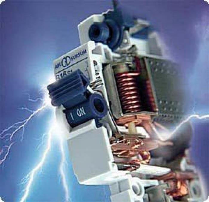 электрическая дуга на автомате