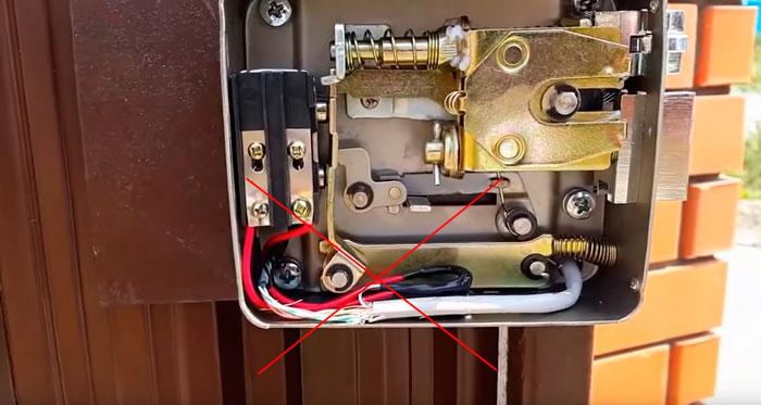 почему нельзя подключать кабель напрямую от вызывной панели до замка
