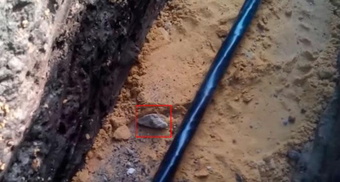 зачем засыпать траншею песком для кабеля