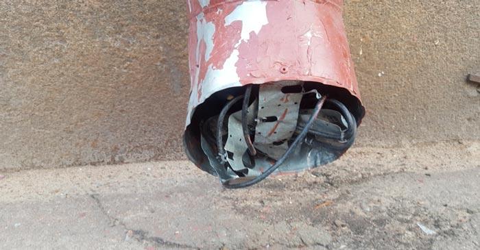 куда деть излишки нагревательного кабеля водостока