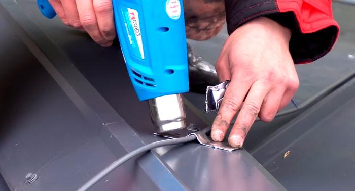 самоклеющаяся герметизирующая лента для кабеля обогрева на крыше