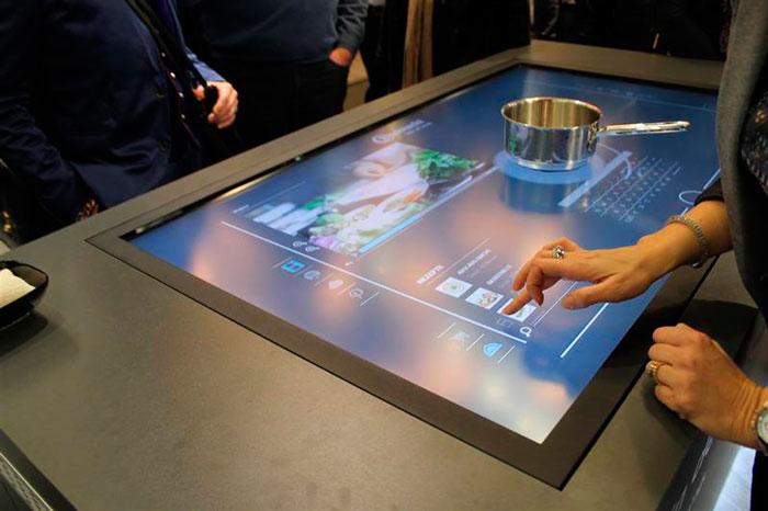индукцтонные панели с информационным дисплеем