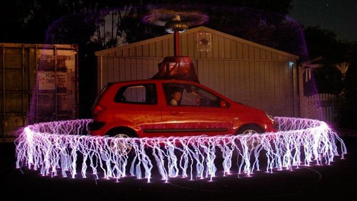 статическое электричество на машине