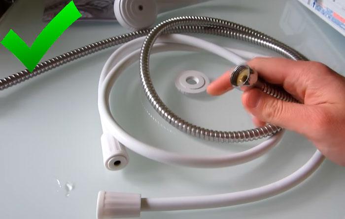металлическая гофра для проточного водонагревателя лучше пластиковой подводки