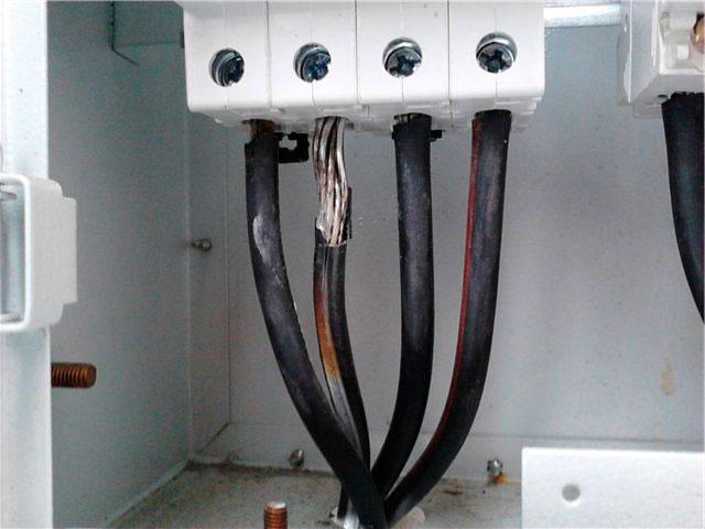 проблема подключения провода СИП к автомату
