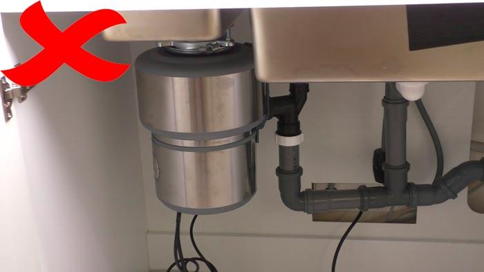 неправильное подключение измельчителя отходов с отрицательным уклоном труб