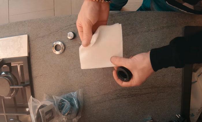 как разобрать и почистить пневмокнопку от измельчителя пищевых отходов