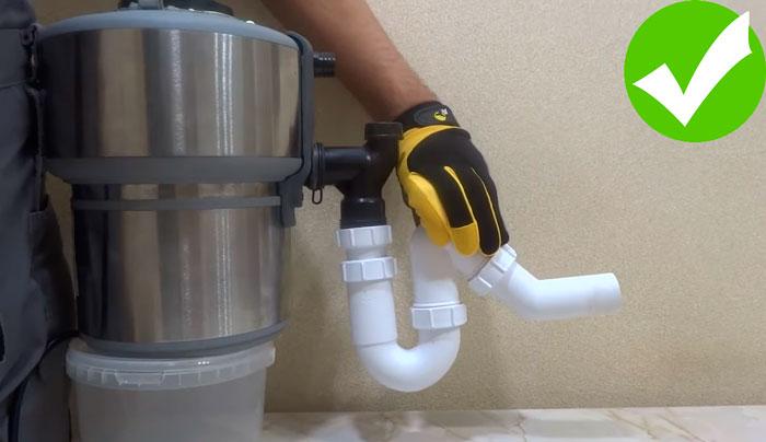 измельчитель бытовых отходов нужно подключать к канализации прямоточным сифоном гладкими трубами