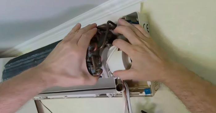 как снять двигатель вентилятора на кондиционере